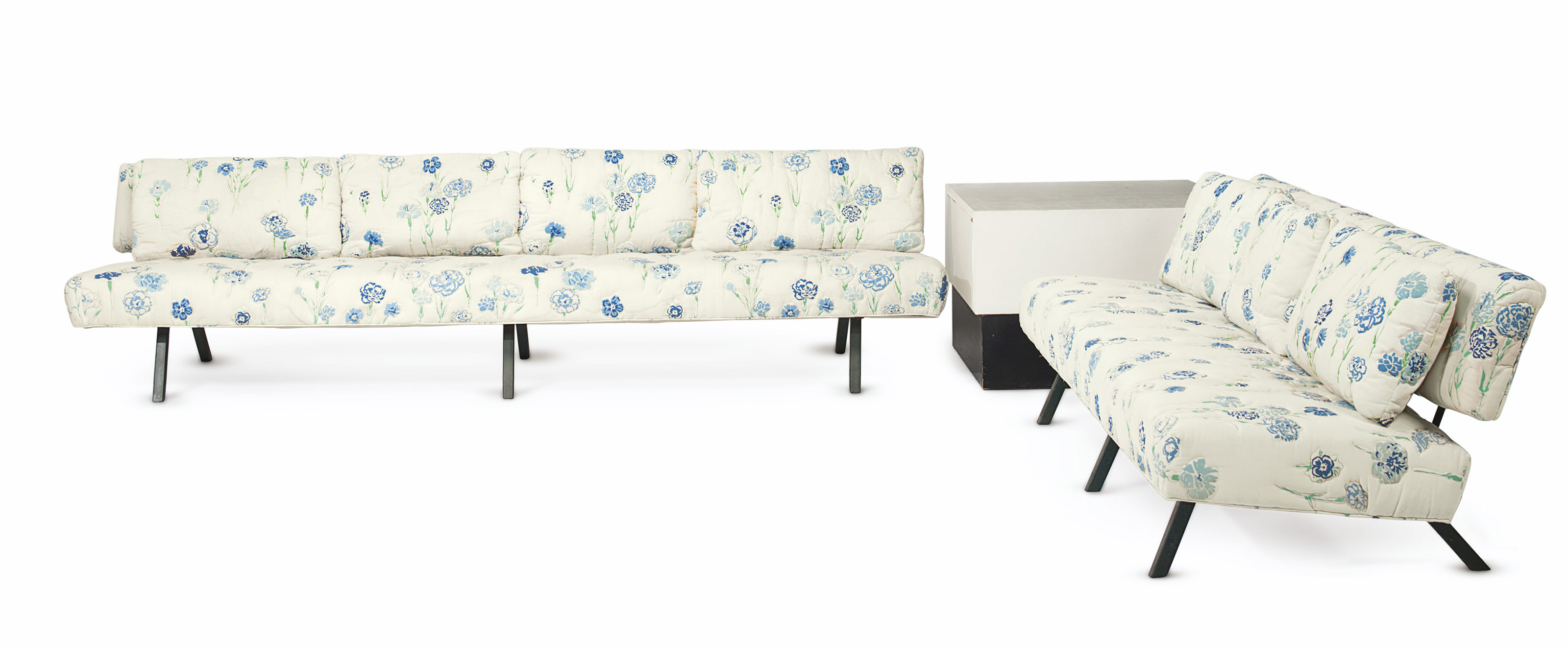 A SUITE OF GREEN-PAINTED METAL AND OUTLINE-QUILTED FLORAL SEAT FURNITURE