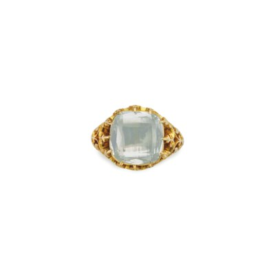 A DIAMOND AND GOLD RING ring diamond