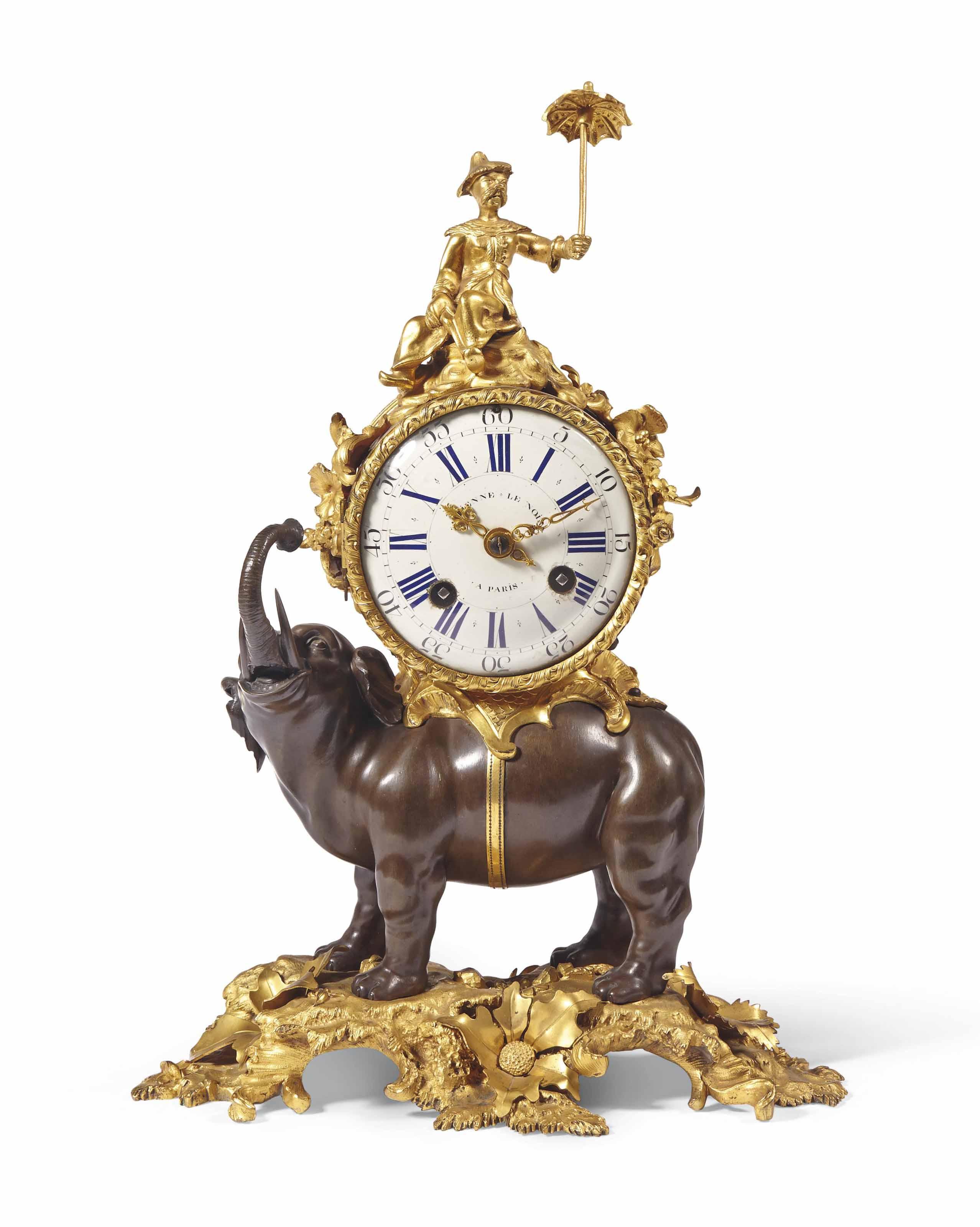 """PENDULE """"A L'ELEPHANT"""" D'EPOQUE LOUIS XV"""
