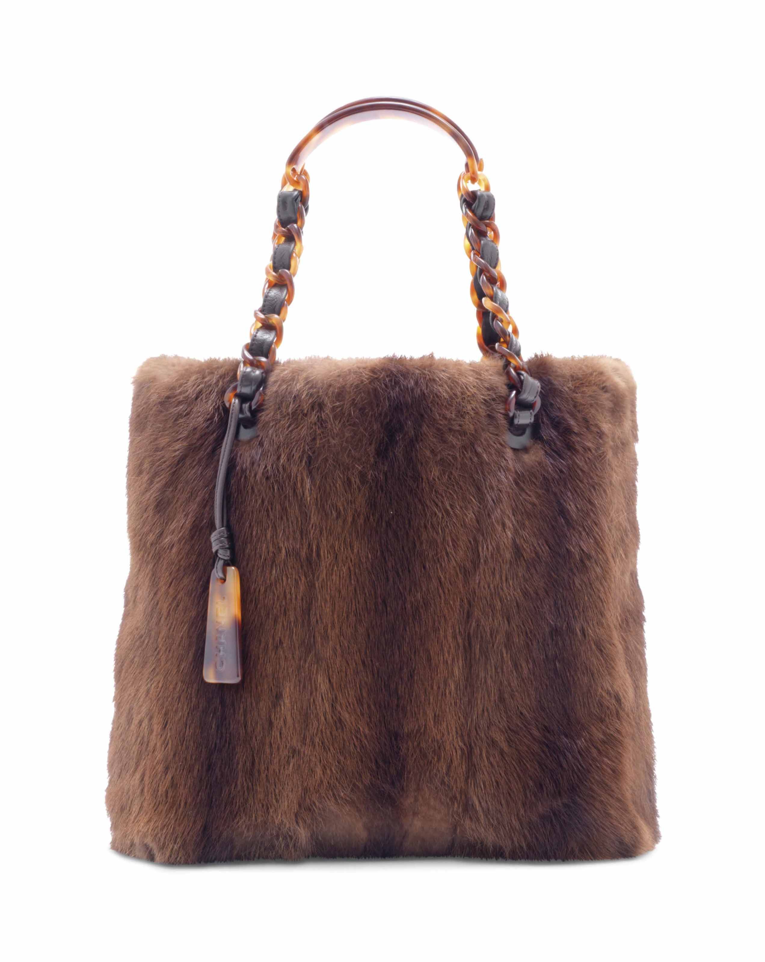 chanel 2017 handbags. sac shopping en vison marron, garniture enchanel chanel 2017 handbags