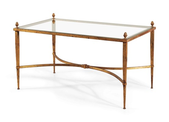 table basse. lot 210 table basse