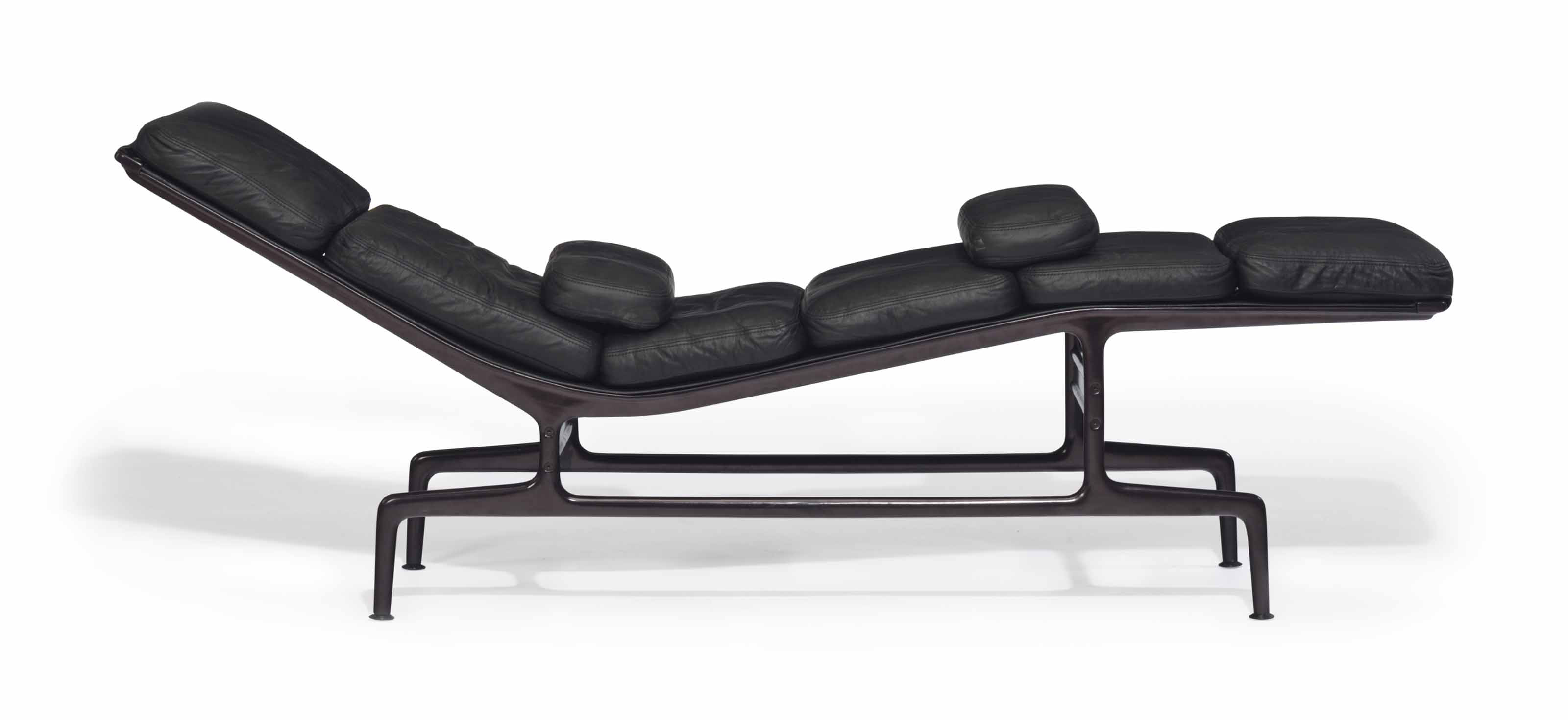 Designer chairs for modern homes christie 39 s for Chaise longue exterieur design