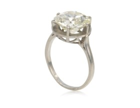 DIAMOND RING WITH GIA REPORT