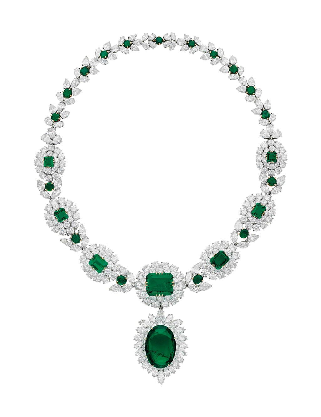 AN IMPRESSIVE EMERALD AND DIAMOND NECKLACE, BY VAN CLEEF & ARPELS