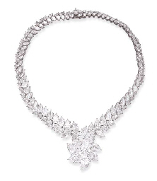 Diamond necklace with pear-shaped diamond pendant