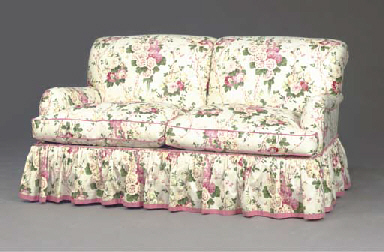 A CONTEMPORARY FLORAL CHINTZ COVERED SOFA, , MODERN ...