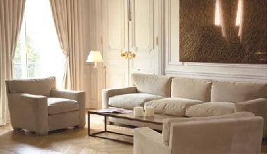 Canape trois places et une paire de fauteuils travail for Canape alcantara