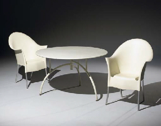 Philippe starck table d 39 exterieur tippy jackson et six chaises king cos - Chaises philippe starck soldes ...