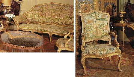 Ensemble comprenant un canape et deux fauteuils travail for Canape et deux fauteuils