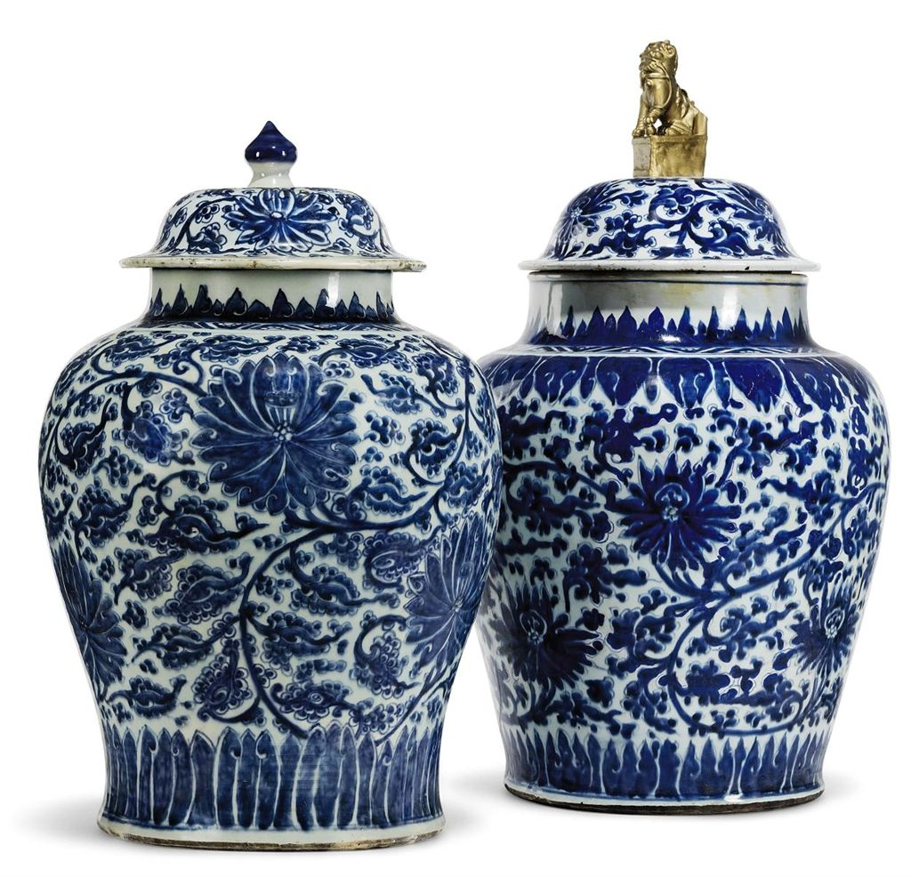 two large chinese blue and white vases and covers kangxi period 1662 1722 christie 39 s. Black Bedroom Furniture Sets. Home Design Ideas