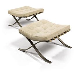 ludwig mies van der rohe 1886 1969 paire de tabourets. Black Bedroom Furniture Sets. Home Design Ideas