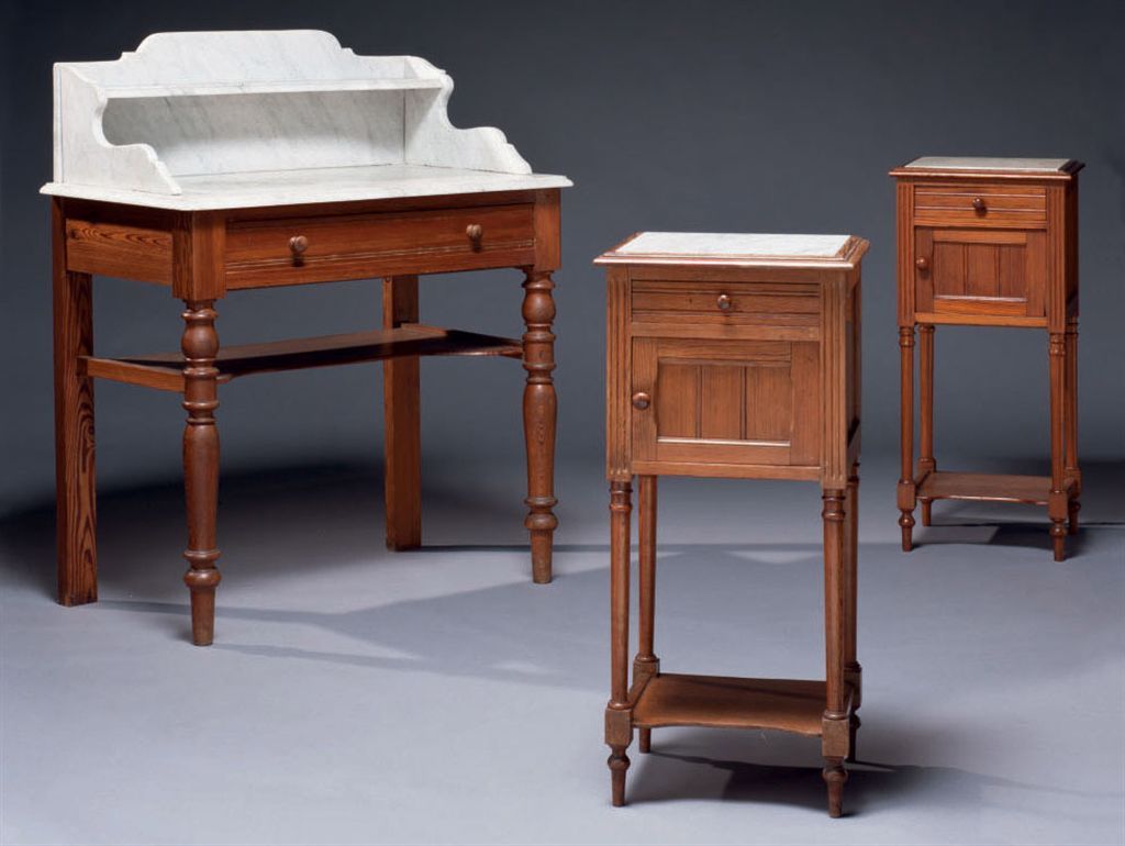 table de toilette et deux chevets fin du xixeme debut xxeme siecle christie 39 s. Black Bedroom Furniture Sets. Home Design Ideas