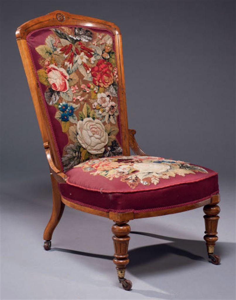 chauffeuse de la fin de l 39 epoque victorienne travail. Black Bedroom Furniture Sets. Home Design Ideas