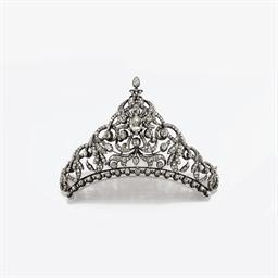 Antica tiara in diamanti e tartaruga christie 39 s for Tiara di diamanti