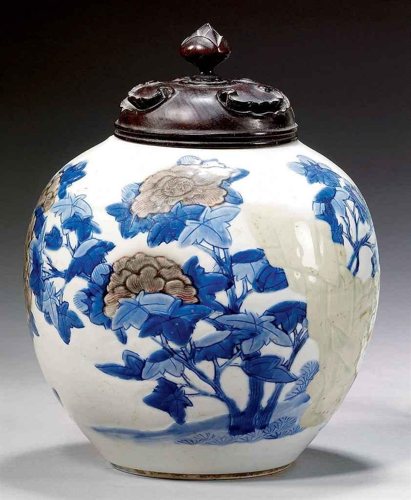 pot a gingembre en porcelaine bleu blanc celadon et rouge de cuivre chine dynastie qing. Black Bedroom Furniture Sets. Home Design Ideas