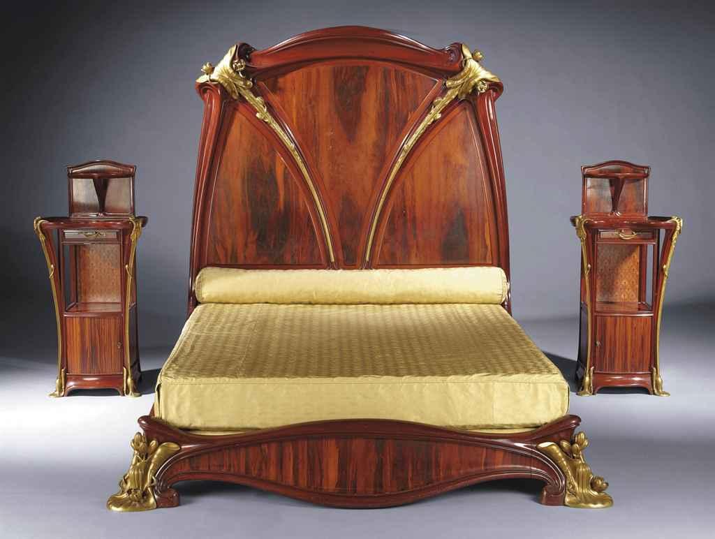 louis majorelle 1859 1926 grand lit et paire de chevets 39 aux n nuphars 39 vers 1905 christie 39 s. Black Bedroom Furniture Sets. Home Design Ideas