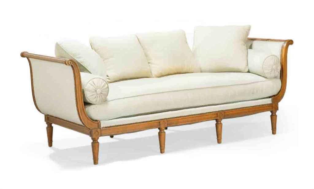 banquette de style directoire christie 39 s. Black Bedroom Furniture Sets. Home Design Ideas