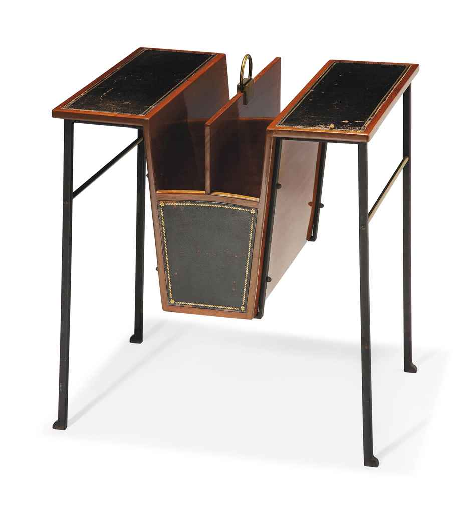 paul dupr lafon 1900 1971 table de fumeur ou porte magazines vers 1935 christie 39 s. Black Bedroom Furniture Sets. Home Design Ideas