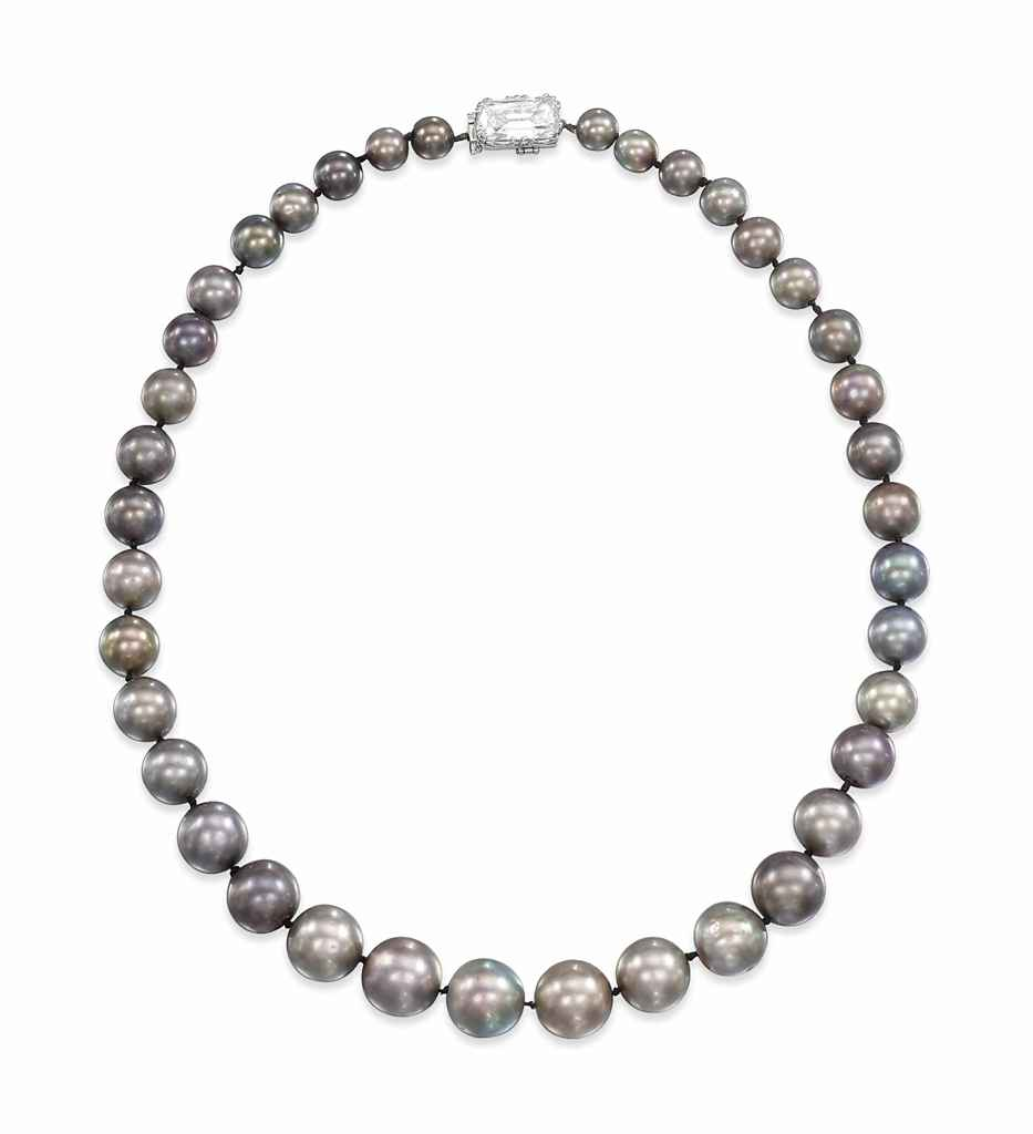 Natural Saltwater Pearl Necklace: A RARE NATURAL PEARL NECKLACE