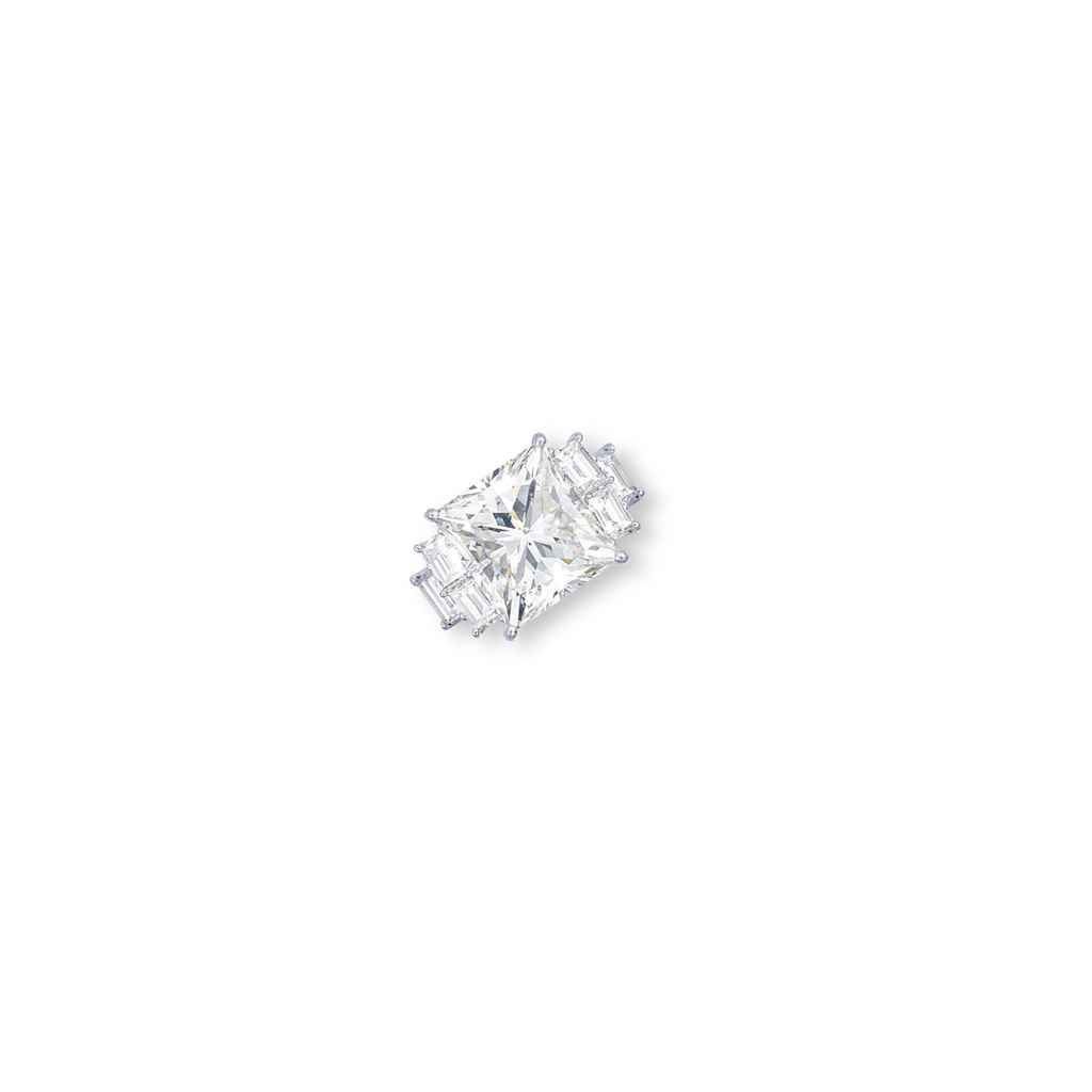 diamond ring essay As courts began to abolish such actions, diamond ring sales rose in response to a need for a symbol of financial commitment from the groom, .