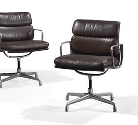 charles 1907 1978 et ray eames 1912 1988 paire de fauteuils 39 soft pad 686 39 le mod le cr. Black Bedroom Furniture Sets. Home Design Ideas