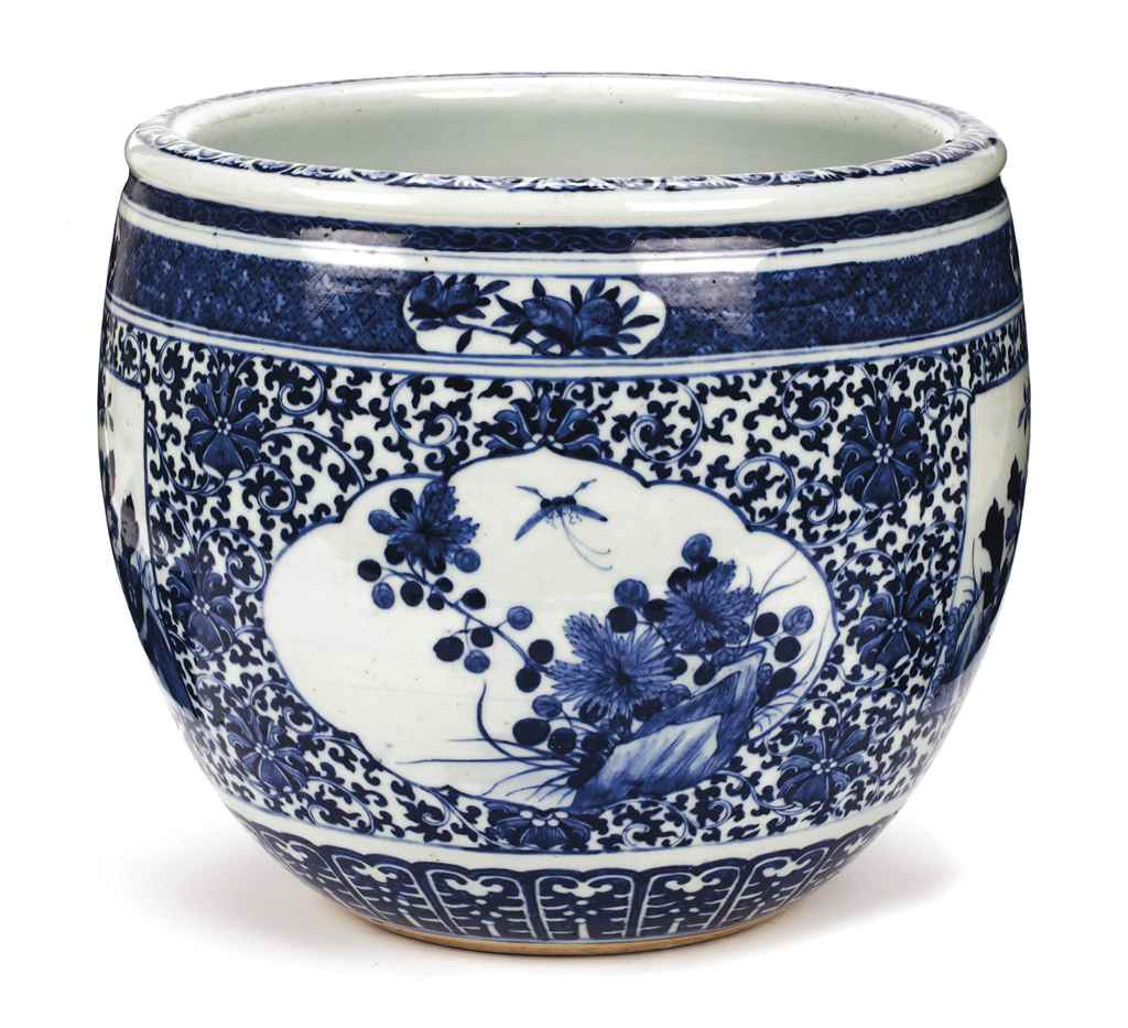 A chinese blue and white fish bowl kangxi 1662 1722 for Chinese fish bowl