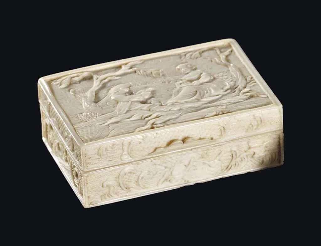 petite boite a maquillage en ivoire sculpte et or france xviiieme siecle christie 39 s. Black Bedroom Furniture Sets. Home Design Ideas