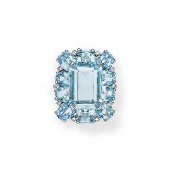 AN AQUAMARINE AND DIAMOND RING, BY CARTIER