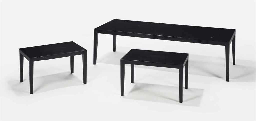 travail francais suite de trois tables gigognes vers 1930 christie 39 s. Black Bedroom Furniture Sets. Home Design Ideas