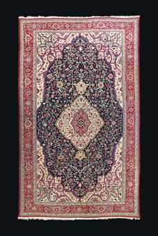 A LARGE HERIZ CARPET