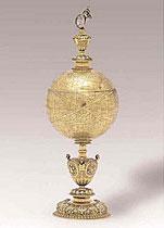 A CONTINENTAL SILVER-GILT GLOBE CUP, CIRCA 1600