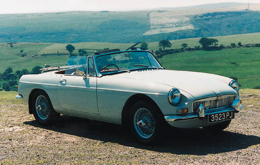 1962 MGB TWO-SEATER ROADSTER