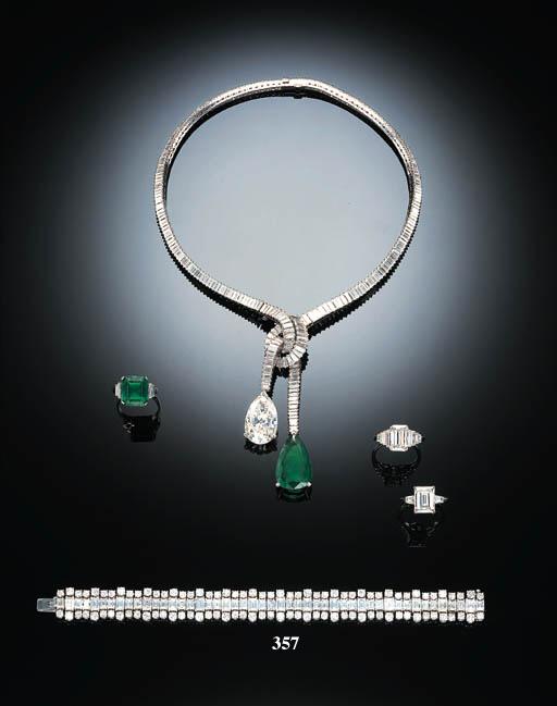 AN ATTRACTIVE DIAMOND BRACELET, BY HARRY WINSTON