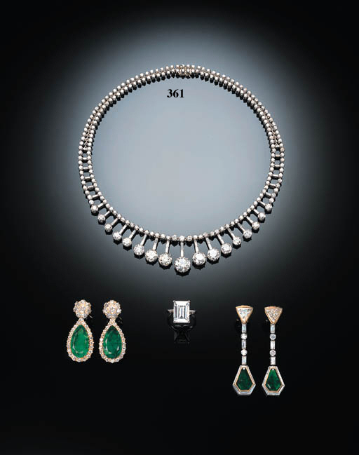 AN ELEGANT DIAMOND NECKLACE, B