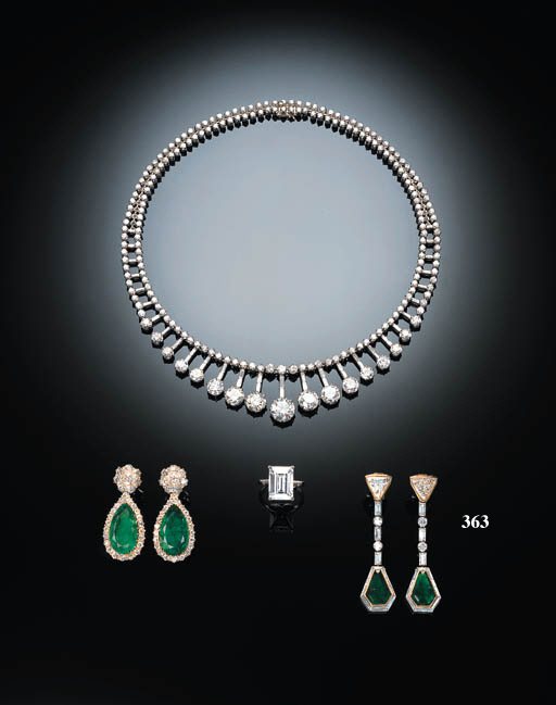 A PAIR OF ATTRACTIVE EMERALD AND DIAMOND EAR-PENDANTS, BY BULGARI