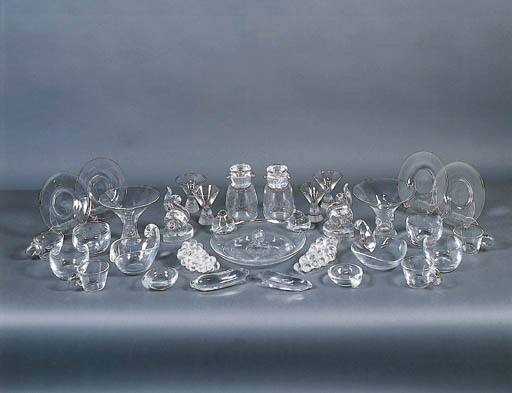 A GROUP OF STEUBEN COLORLESS GLASS TABLEWARE