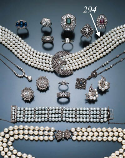 CULTURED PEARL AND DIAMOND COL