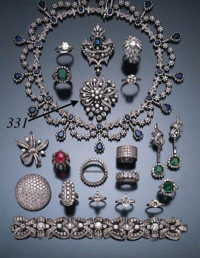 DIAMOND FLORAL BROOCH