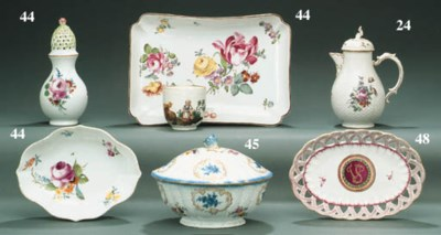 A MEISSEN OVAL FLUTED SAUCE-TU