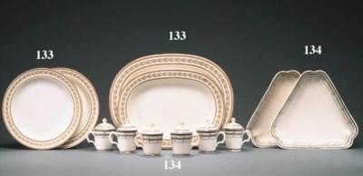 SEVEN WEDGWOOD CREAMWARE PLATE