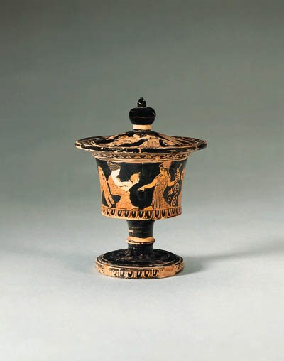 AN ATTIC RED-FIGURE PYXIS