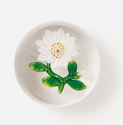 A BACCARAT MARGUERITE DAISY WE