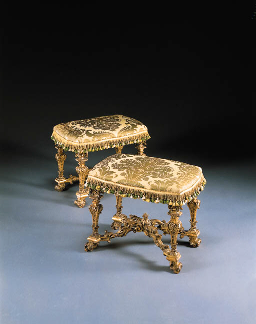A PAIR OF LOUIS XIV GILTWOOD T