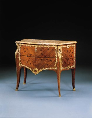 A LOUIS XV KINGWOOD, BOIS SATI