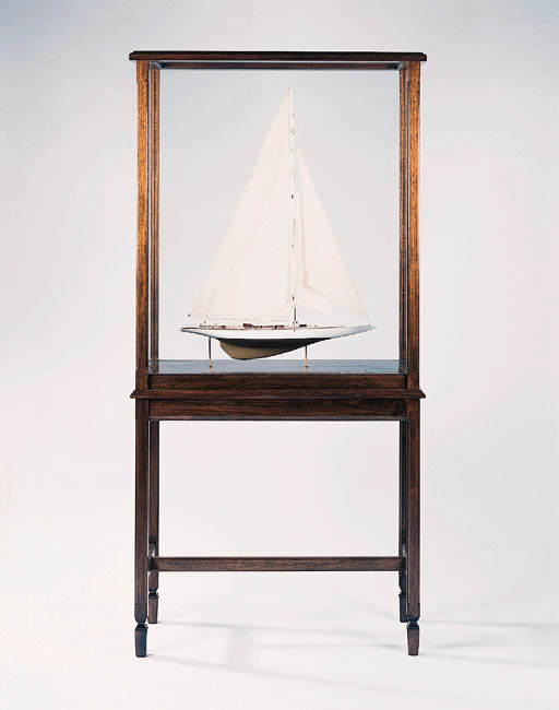 """A WELL DETAILED FULLY RIGGED DISPLAY MODEL OF THE AMERICAS CUP YACHT """"DEFENDER"""" OF 1895"""