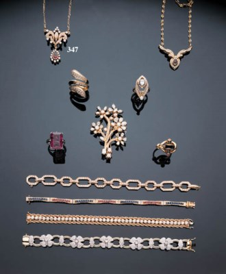 A GOLD, RUBY AND DIAMOND NECKL