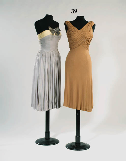 A cocktail dress of coffee col