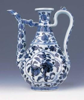 A FINE BLUE AND WHITE EWER, ZHIHU