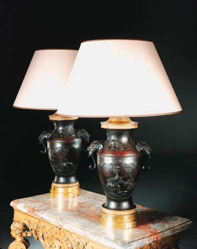 A PAIR OF ORMOLU-MOUNTED JAPAN