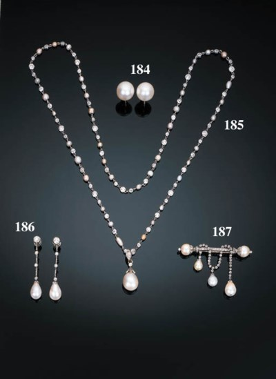 A Pearl and Diamond Necklace w